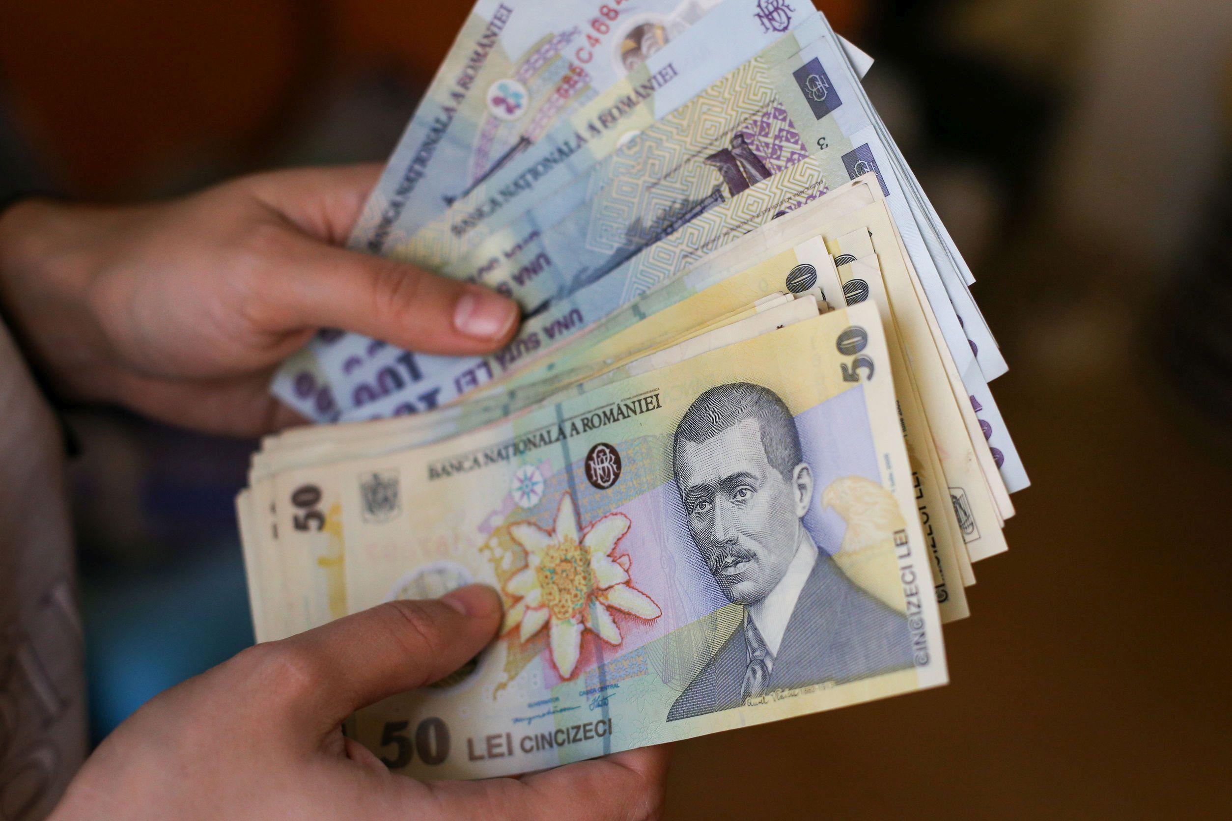 Topul celor mai mici dobânzi la credite de nevoi personale din România. Ce dobânzi percep top 10 bănci din România