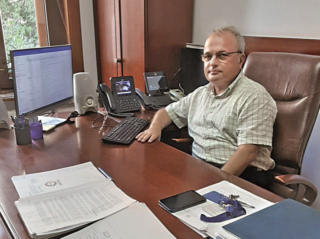 Trei decenii de informatică în serviciul Băncii Naţionale a României; saltul spectaculos de la un calculator dăruit de un expert al FMI în toamna anului 1990  la o reţea demnă de actuala revoluţie digitală globală