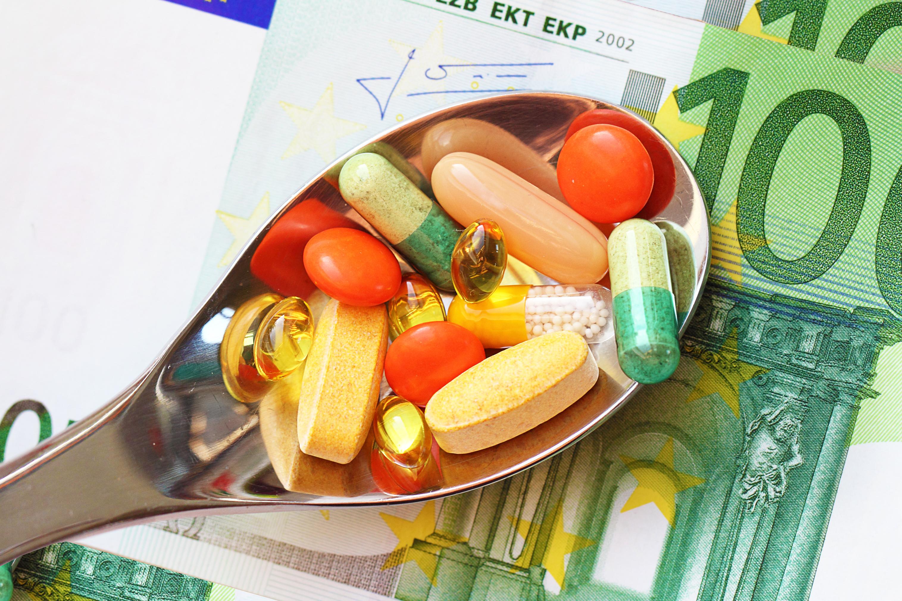 Producătorii de medicamente de pe bursă mizează pe creşterea afacerilor