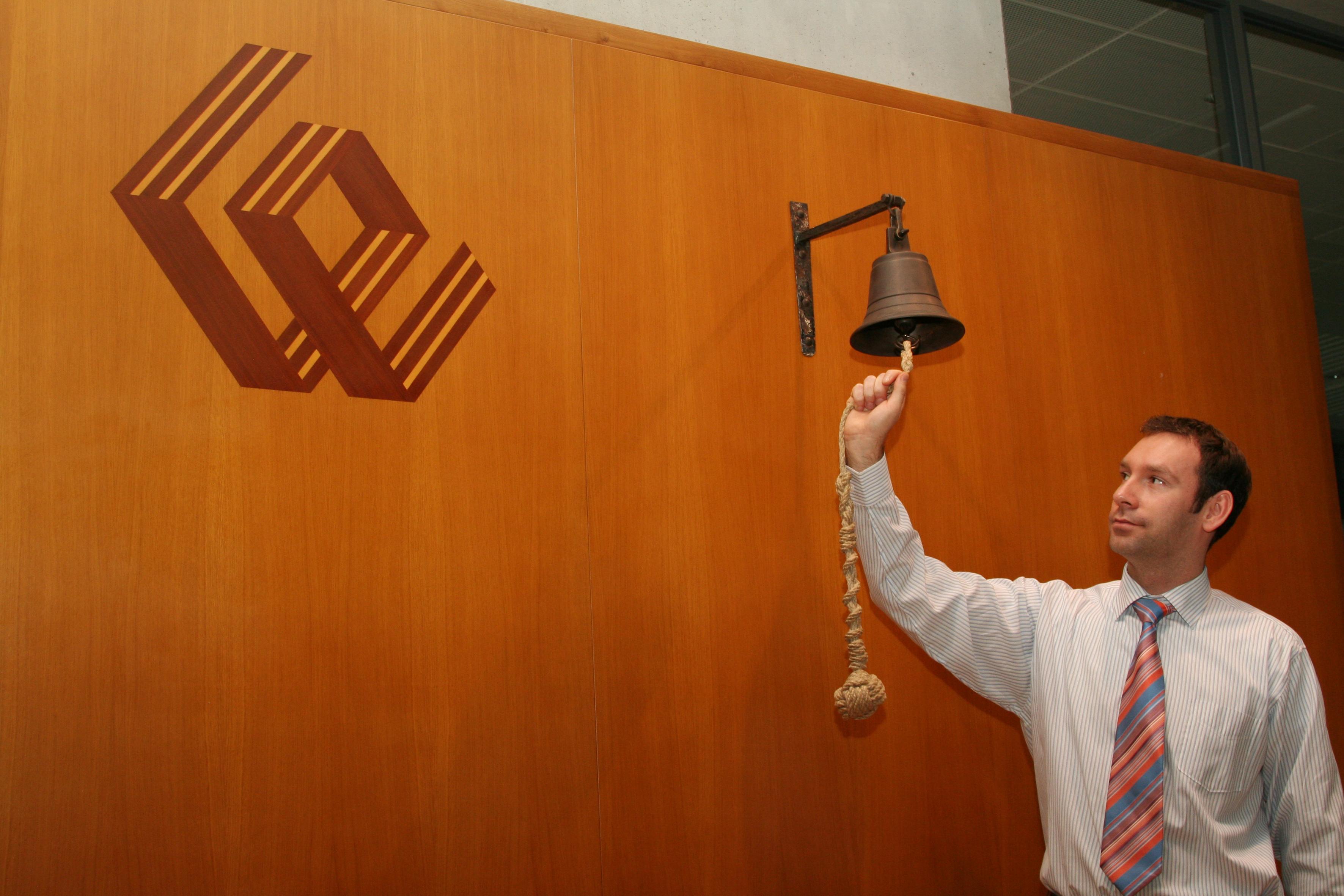 Bursa de la Varşovia vrea un nou record. Cea de la Bucureşti este anesteziată de PSD