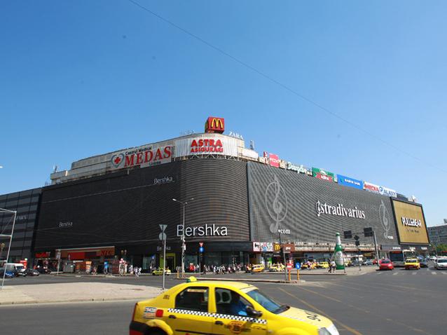 Luptă la cuţite: Unirea Shopping Center se luptă în justiţie cu Carmen Adamescu pentru spolierea patrimoniului, în joc fiind 6 milioane de euro