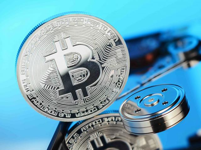 Bitcoinul şi alte criptomonede s-au alăturat băii de sânge din pieţele din toată lumea