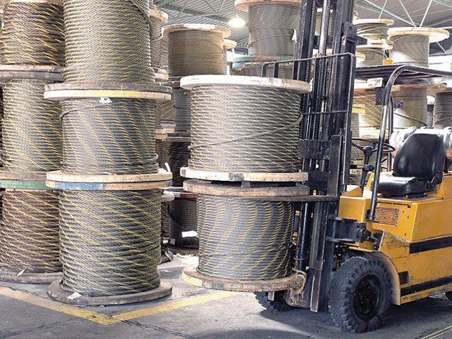 Acţiunile Romcab Târgu-Mureş scad marţi după ce Valtecia, companie care i-a cerut falimentul, a evacuat producătorul de cabluri de pe un teren de 25.000 de metri pătraţi