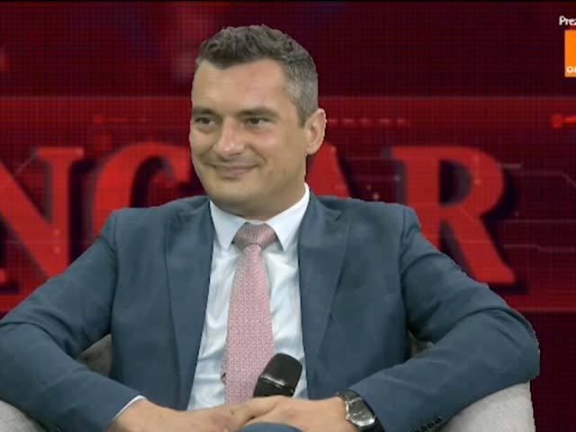 ZF Live. Florin Godean, country manager, Adecco România: Este o perioadă dificilă pentru piaţa muncii. Vedem absolvenţi de facultate care se angajează ca operatori de producţie