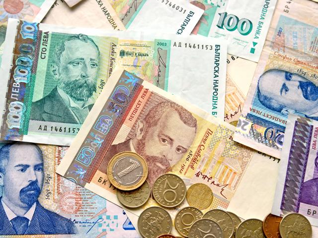 Guvernul bulgar va majora salariul minim de la 174 la 194 euro anul viitor. În România ar putea ajunge la 237 euro