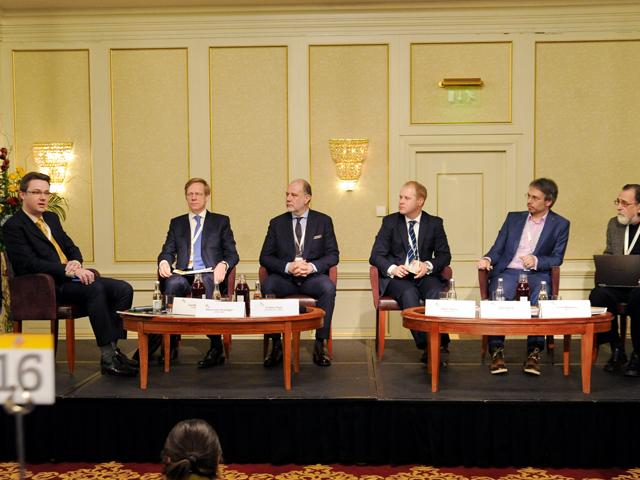 """Proiect de ţară """"România 2040"""" şi oameni de afaceri care să lucreze în echipă"""