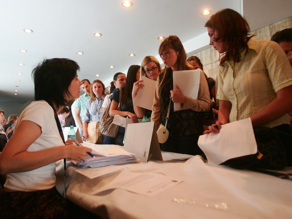 Aproape unu din cinci angajatori va face noi recrutări în ultimul trimestru al anului
