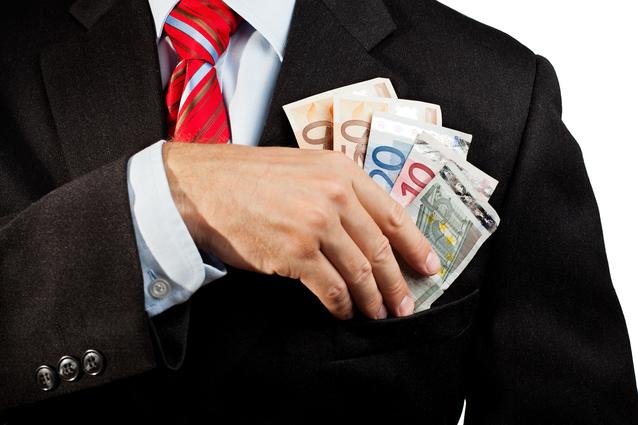 Un salariu pe zi în România. Cât câştigă un specialist în domeniul financiar