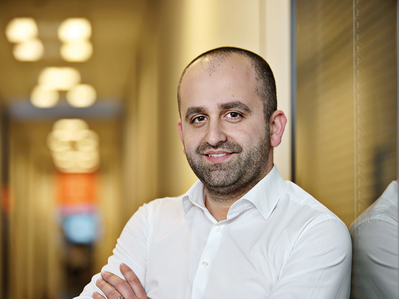 ZF Live. Bogdan Badea, noul CEO al eJobs: Dacă în anii trecuţi era de ajuns să postezi doar poziţiile libere şi candidaţii dădeau năvală, acum, când postezi un astfel de anunţ trebuie să iei în considerare pachetul de beneficii, numărul de zile libere, locaţia, dacă brandul tău de angajator este cunoscut de cei care intră pe platformă