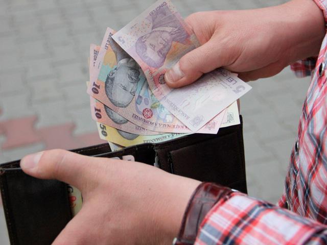 Deloitte: Salariul minim brut din România depăşeşte media regiunii, dar şi rata de taxare este cea mai mare