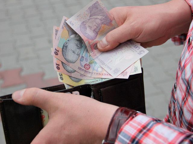 Un salariu pe zi în România. Cât câştigă un specialist în compensaţii şi beneficii