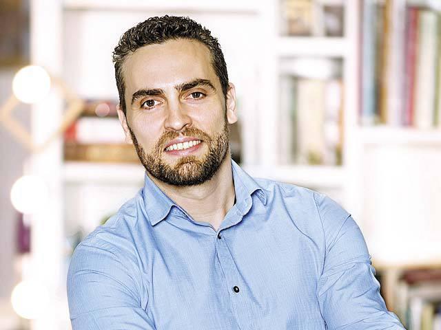 Yann Bidan, fostul şef al Telus vrea să deschidă zece şcoli private în franciză în care să înveţe câte 100 de elevi