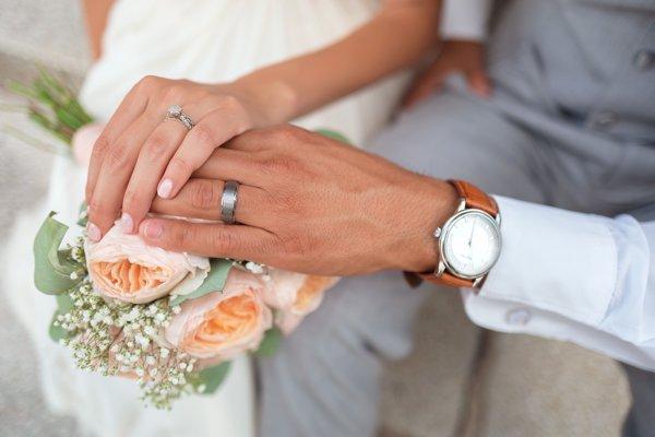 Caut căsătorite bărbați din București