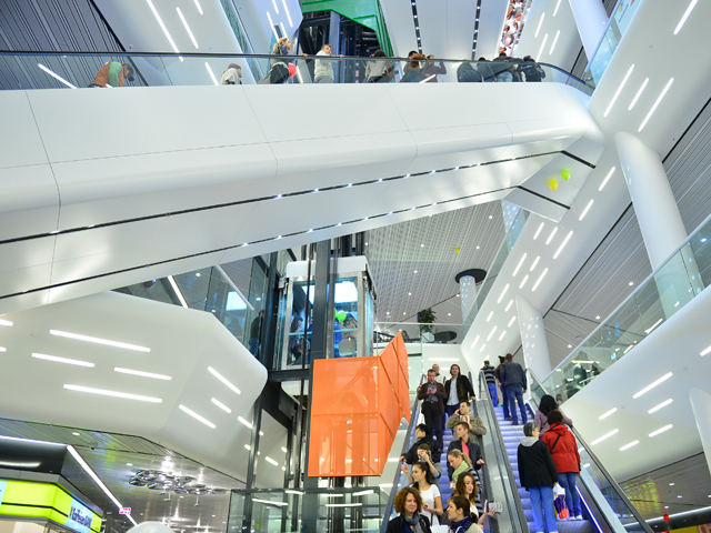 """Record de preţ pentru imobiliarele din Capitală NEPI a plătit 148 mil. euro pentru """"mallul corporatiştilor"""" Promenada"""