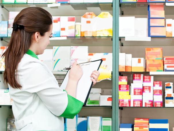 Vânzările farmaciilor s-au dublat din 2008 până acum, românii cumpărând anual medicamente de 15 mld. lei