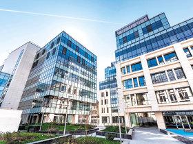Piaţa imobiliară se încinge: trei tranzacţii de 140 mil. € în două săptămâni