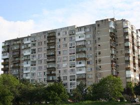 Vânzările de locuinţe din Bucureşti şi Ilfov continuă scăderea, însă la nivel naţional volumele urcă
