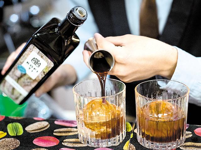 O familie de IT-işti a pariat 100.000 de euro pe un brand de băuturi artizanale