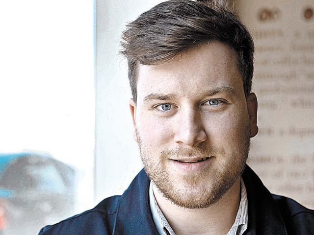 Dan Posea, un absolvent de geografie, îşi face o cofetărie în Buzău cu finanţare prin programul Start-Up Nation