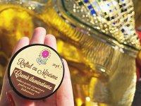 Un start-up pe zi. Georgiana Radu a pornit o afacere cu cosmetice naturale sub brandul Raftul cu Miresme după o călătorie în Sri Lanka