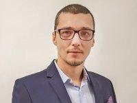 Un start-up pe zi. Nicolae Pop, ofiţer în marina comercială, a investit 170.000 de euro într-o platformă de management al plajei, pentru rezervări online de şezlonguri şi comenzi de la bar