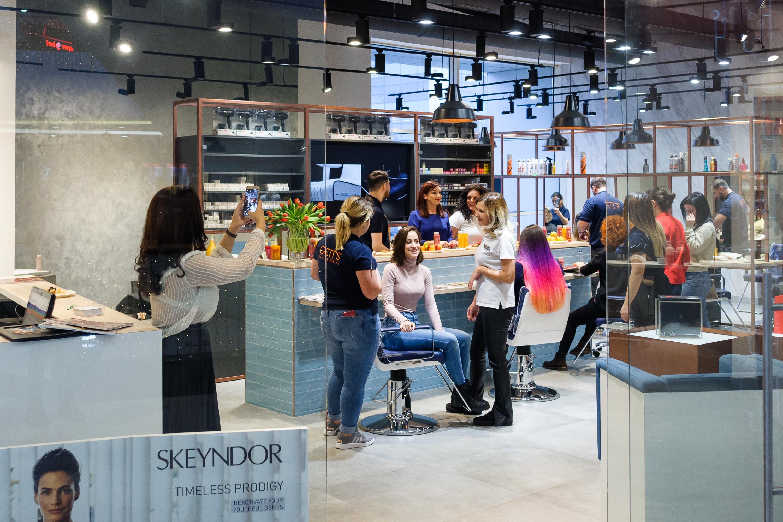 Reţeaua privată de saloane de înfrumuseţare GETT'S a ajuns la 10 locaţii la nivel naţional, după o investiţie de peste 165.000 de euro într-un nou salon