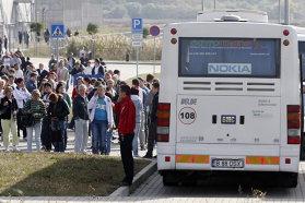 """ZF la 20 de ani. Evenimentul anului 2011: """"SMS"""" devastator pentru economia locală: Nokia pleacă de la Jucu. Au rămas în urmă peste 2.000 de angajaţi"""