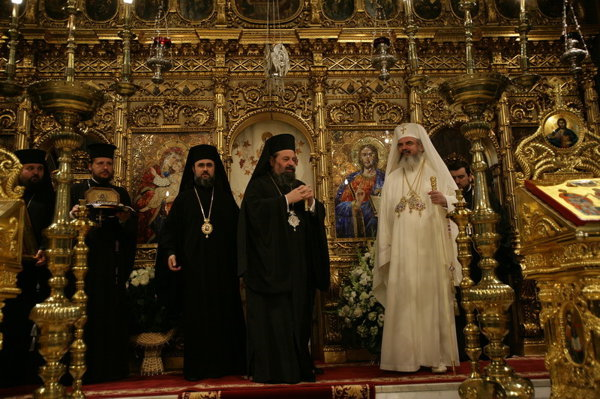 Crăciunul la TVR: Liturghia de la Catedrala Patriarhală