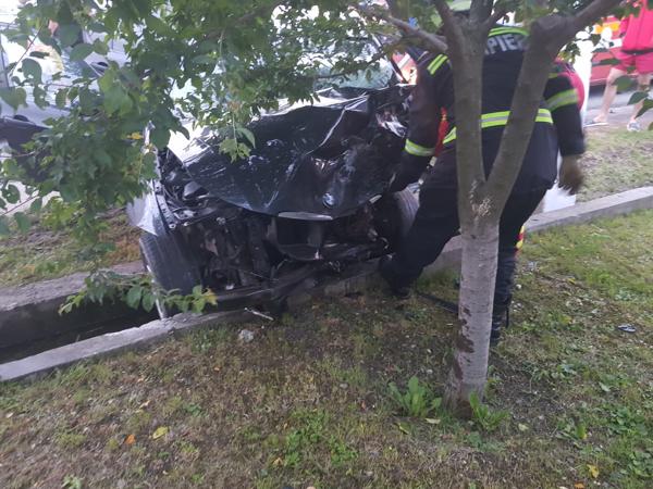 Accident Slatioara impact frontal sofer live pe facebook