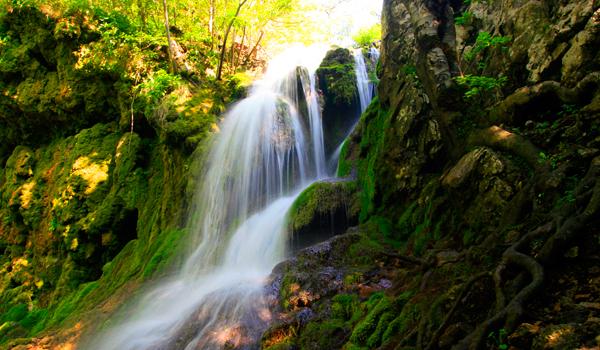 Cheile Nerei – un colt de paradis romanesc (FOTO)