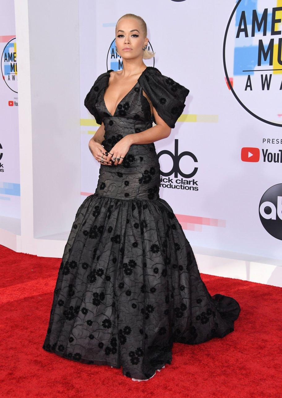 Rita Ora la American Music Awards