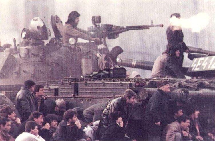 SONDAJ. Decembrie 1989 - Revoluţie sau lovitură de stat? VOTEAZĂ!
