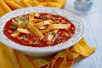 Supă mexicană de pui cu fasole şi tortilla de porumb