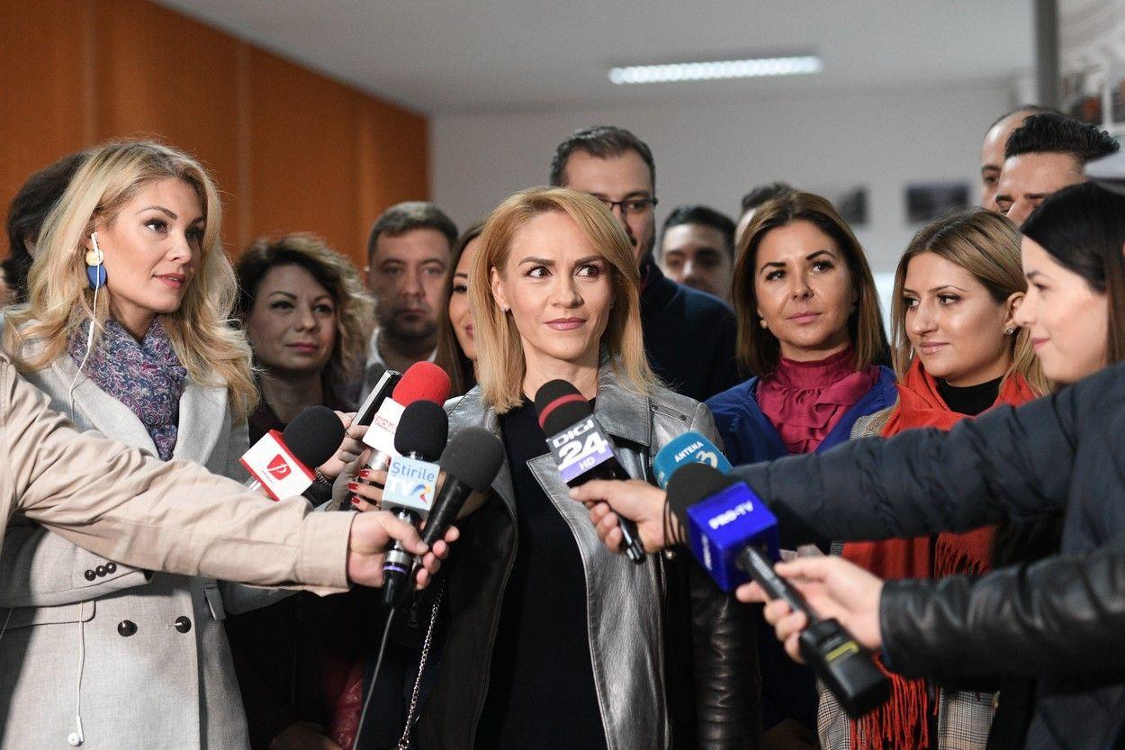 Primarul Capitalei şi încă un politician cer închiderea şcolilor şi grădiniţelor în Bucureşti/ Care este situaţia îmbolnăvirilor de coronavirus în Bucureşti