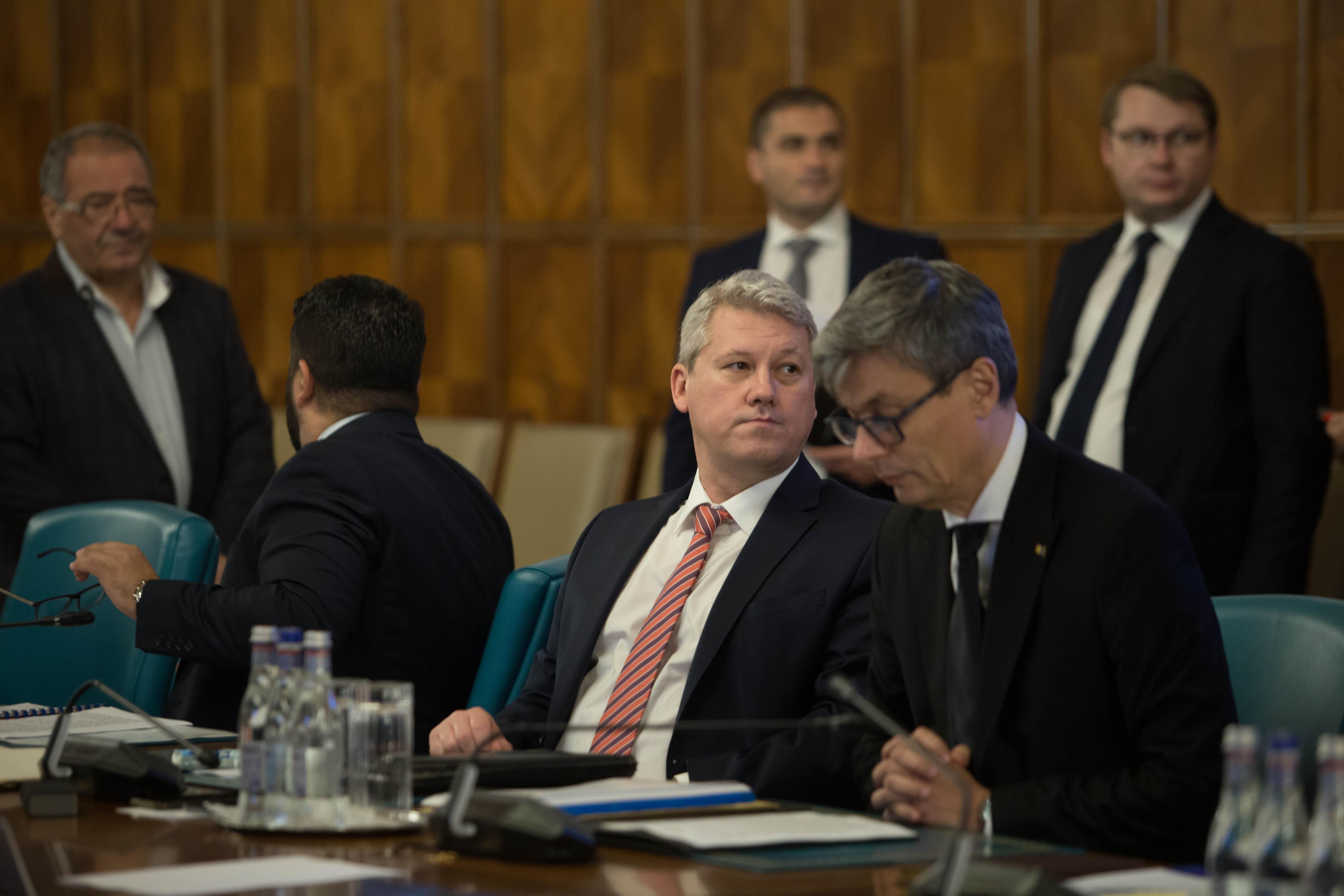 Audierile pentru şefia Parchetelor: Două dintre propunerile lui Predoiu, respinse la CSM. Candidatul pentru DNA, singurul avizat pozitiv