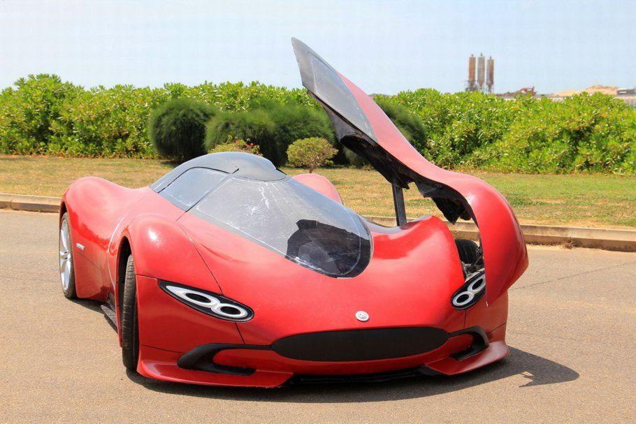 Un pasionat de design a creat un supercar* electric cu doar 4.300 €