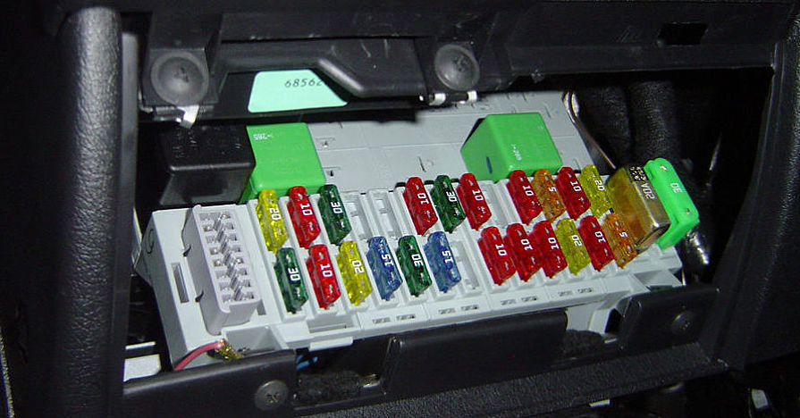 carfusebox Fuse Box Ford Fiesta on ford five hundred fuse box, 2010 ford mustang fuse box diagram, 1995 ford ranger fuse box,