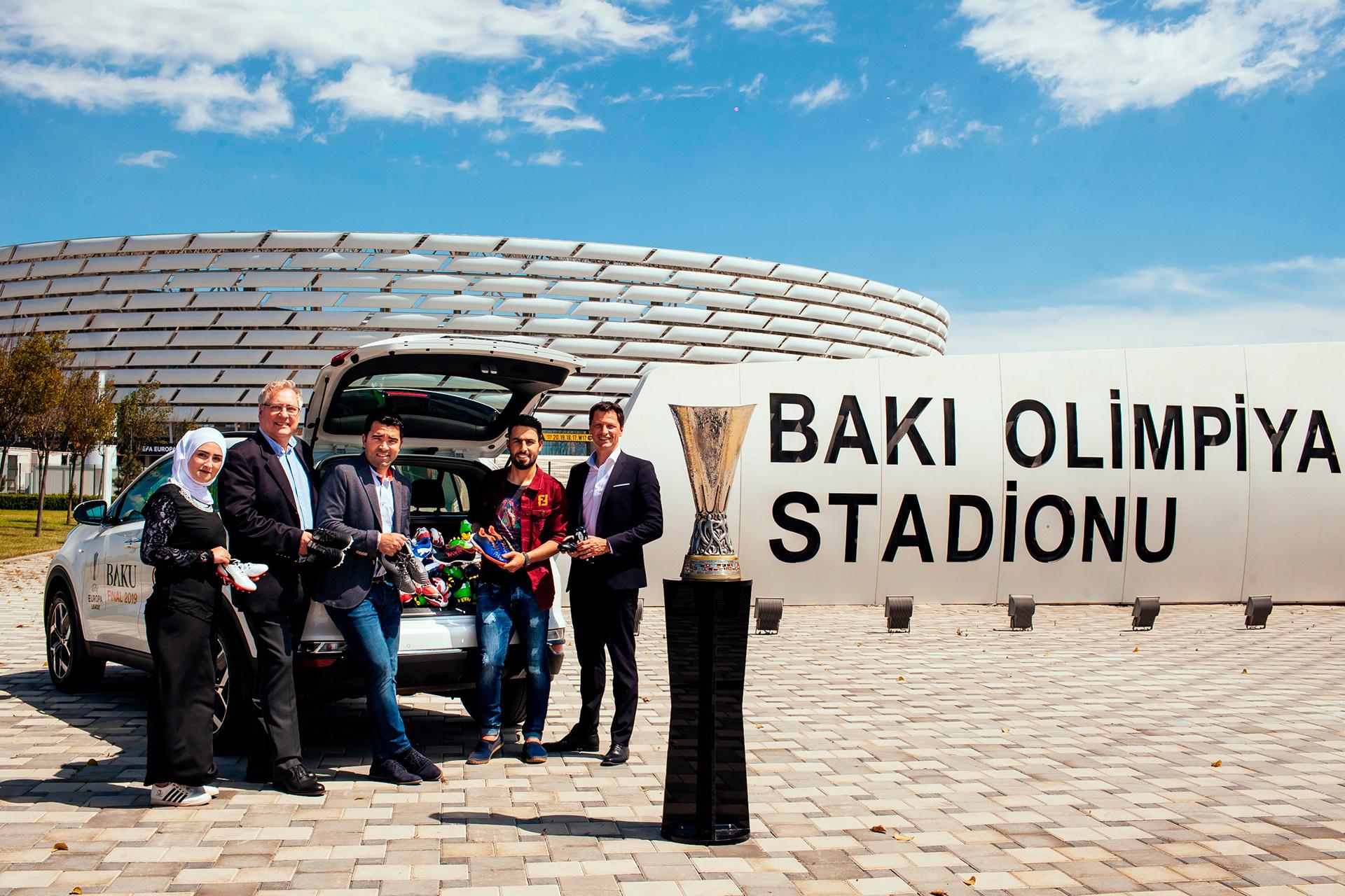 kia-motors-organizeaza-o-campanie-de-donatii-prin-fundatia-uefa-pentru-a-oferi-ghete-de-fotbal-tinerilor-refugiati