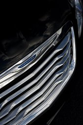 Teaser Chrysler 200