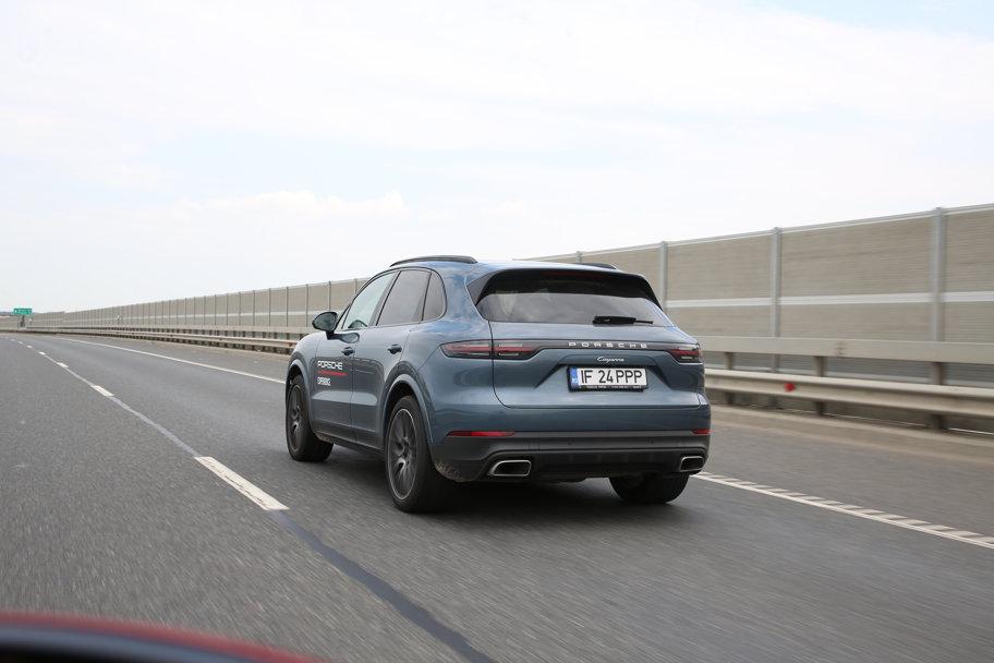 Test drive Porsche Cayenne - Sportivitatea are formă de SUV - GALERIE FOTO