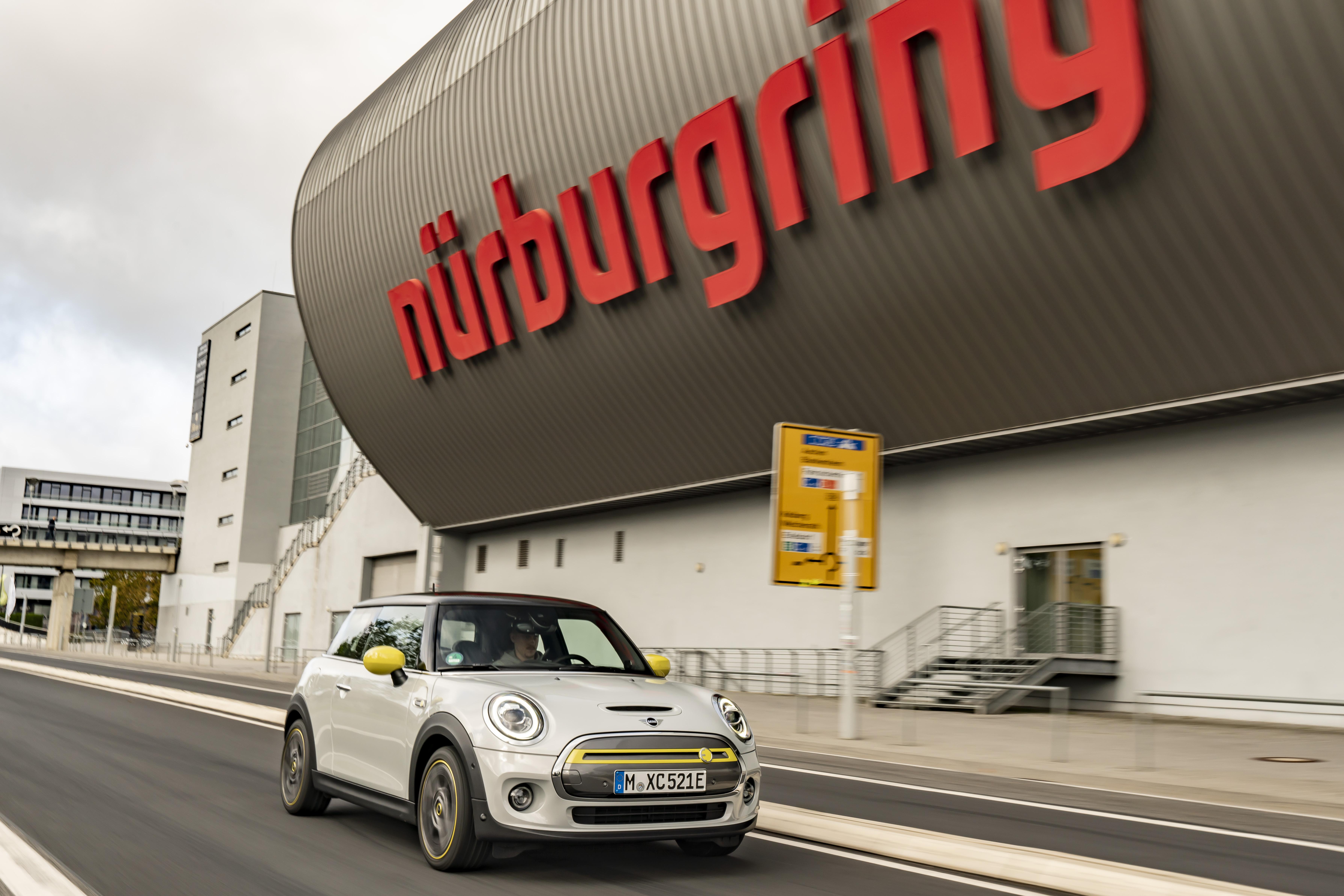 MINI electric poate parcurge Nürburgring fără ca frâna să fie folosită
