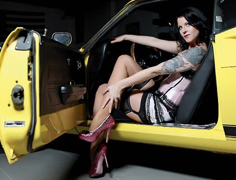 "Calendarul ""Girls and Legendary US-Cars"" 2012"