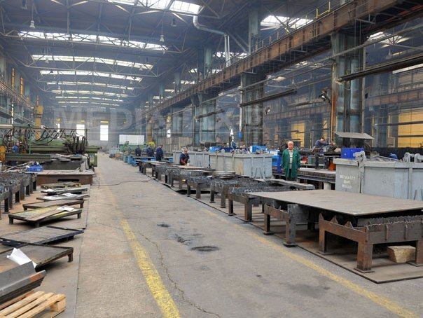 Sectorul industrial din România a scăzut în ianuarie. 35% din firme au redus producţia
