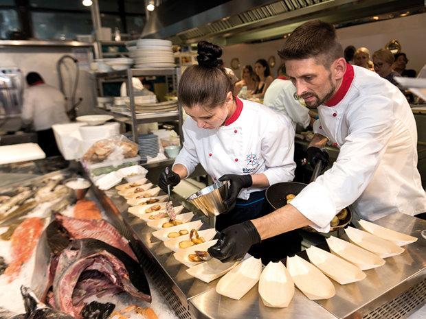 Noua atracţie din piaţa Floreasca: restaurantul cu specific pescăresc BistroMar