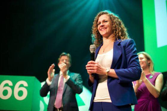 Un europarlamentar olandez cere verificarea finanţării referendumului din România. Mesajul transmis premierului Dăncilă: Nu încercaţi să aveţi o confruntare cu PE