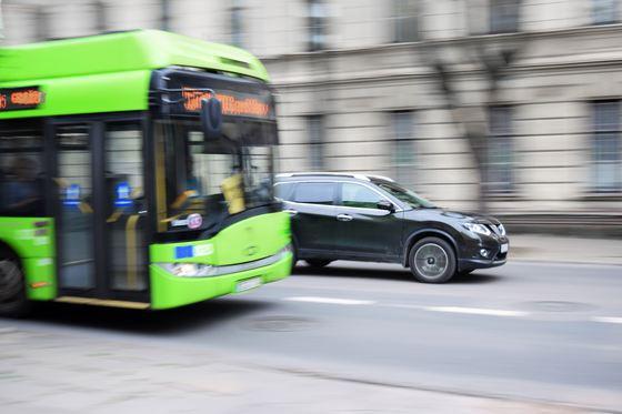 Primăria Capitalei va cumpăra 100 de autobuze electrice din bani europeni. Pe ce linii vor circula vehiculele