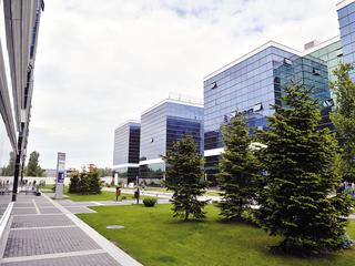RE/MAX Grup de Lux se extinde în trei oraşe, schimbând managementul şi viziunea