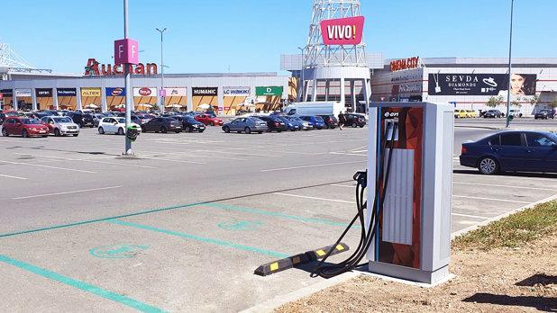 E.ON deschide în Constanţa o staţie de încărcare pentru maşinile electrice şi ajunge la 17 unităţi în ţară