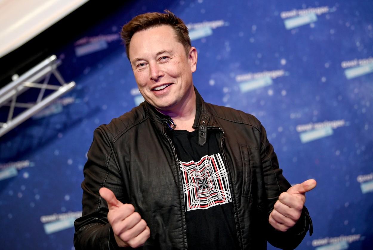 Reacţia lui Elon Musk după ce a devenit cel mai bogat om din lume. Şeful Tesla ajunge la o avere de 195 de miliarde de dolari, cu 10 miliarde mai mult decât Jeff Bezos