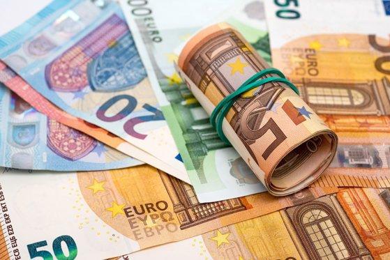Ce se întâmplă cu euro. Anunţ fulger la început de an